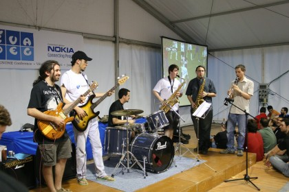 One of the outings of the GUADEC band (Copyright Jesús Corrius, CC BY)