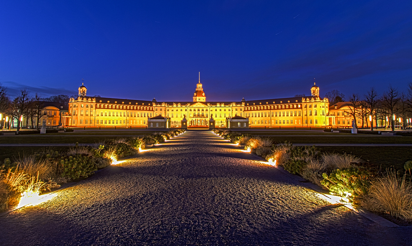 Schloss Karlsruhe. Photo Credit: Keiko S. (flickr @craxler)