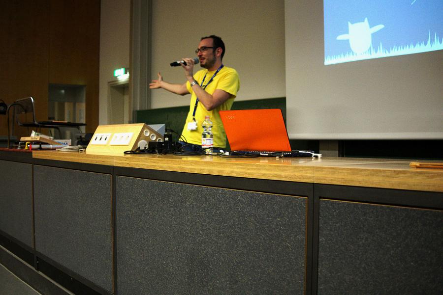 Cosimo Cecchi present Endless OS Photo Credit: Oliver Propst CC BY-SA 3.0